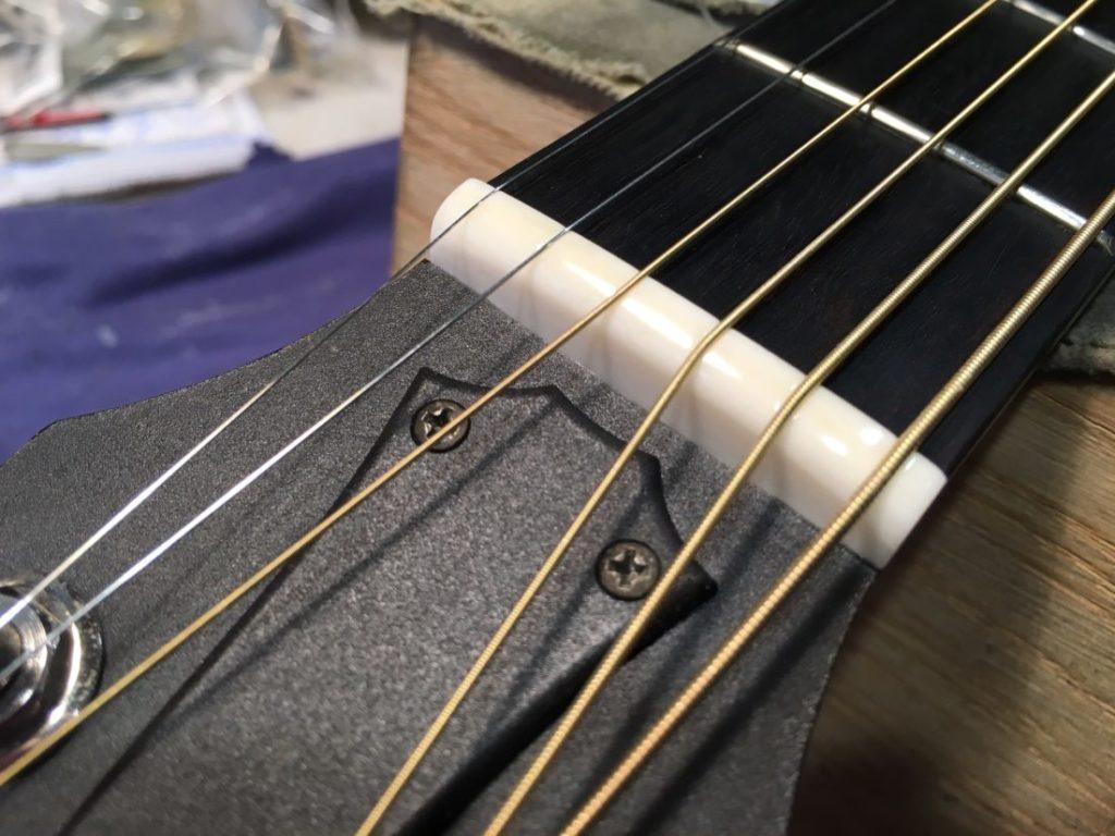 ギターナットの画像